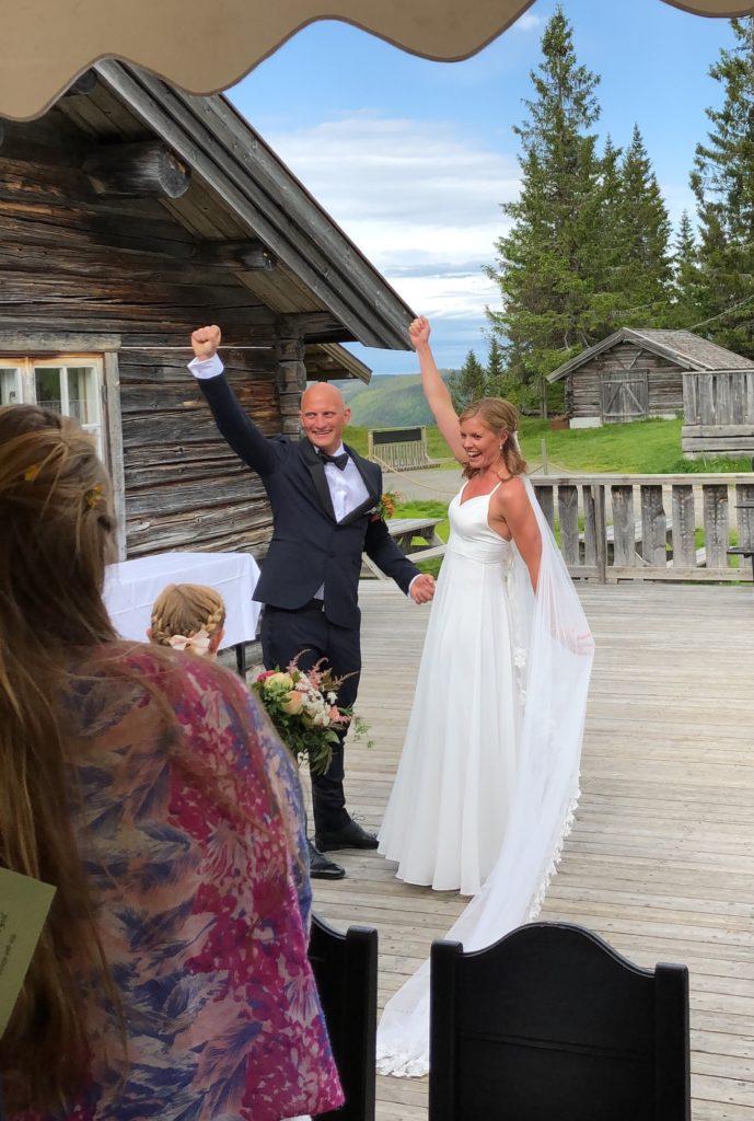 Bryllup Brudepar veranda Knettsetra